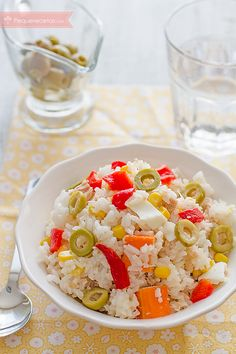 Ensalada de arroz, las mejores recetas - Tax Tutorial and Ideas Deli Food, A Food, Good Food, Food And Drink, Yummy Food, Veggie Recipes, Real Food Recipes, Cooking Recipes, Healthy Recipes
