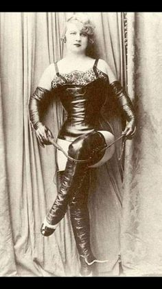 Black and white photographs of women posing in dominatrix-style boots and leather outfit. Art Deco, Le Far West, Erotic Photography, Dominatrix, Up Girl, Vintage Beauty, Pageant, Vintage Photos, Pin Up