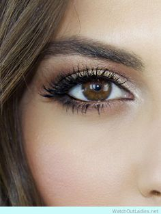 Lovely eye make up for hazel eyes - http://watchoutladies.net/18-brown-eyed-make-up-tutorials-to-try-now/
