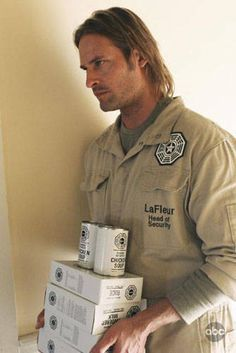 Josh Holloway as Sawyer Serie Lost, 2000s Tv Shows, Lost Tv Show, Josh Holloway, Great Tv Shows, Best Shows Ever, Best Tv, All About Time, James Ford