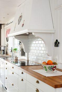 bygga in en fläkt för gammal look? Kitchen Ideas, Sweet Home, Interior, House, Home Decor, House Beautiful, Indoor, Home, Haus