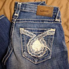 NWOT Big star Liv Never been worn! Bought them and took the tags off so now I can't return! Paid $140. Fit 24/25 Big Star Jeans Boot Cut