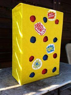 Punch Box de Super héros Disney Cars Birthday, Superhero Birthday Party, Girl Birthday, Happy Birthday, Superhero Invitations, Diy Invitations, Lego Ninjago, Anniversaire Wonder Woman, Fall Birthday Parties