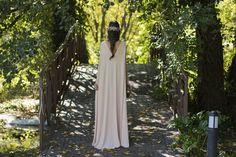 Invitada boda vestido túnica mango nude