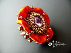 Bead embroidered adjustable ring Shibori silk por MaewaDesign