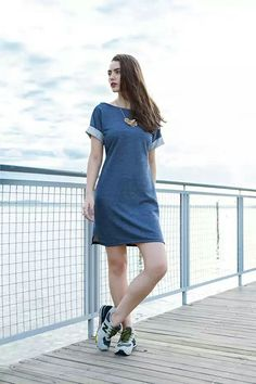 Fashion Tips For Women Articles Demin Dress Outfit, Jeans Dress, Shirt Dress, Slow Fashion, Denim Fashion, Girl Fashion, Fashion Outfits, Simple Outfits, Casual Outfits