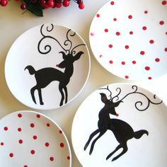 love these Rudolph dessert plates! Welcome To Christmas, Christmas Craft Fair, Christmas Colors, Holiday Crafts, Fun Crafts, Christmas Dishes, Christmas Tablescapes, Outdoor Christmas Decorations, Dessert Design