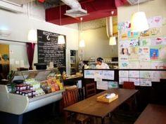 Epicurious Cafe beside the Singapore River,