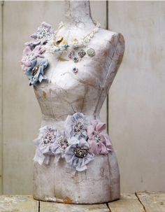 Mannequin for flower clip display