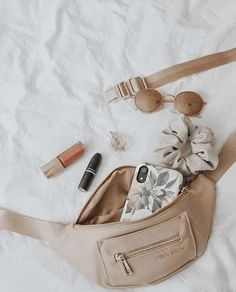 Fashion Accessories That Will Complete your Look this Spring Photography Bags, Flat Lay Photography, Clothing Photography, Photography Aesthetic, Cream Aesthetic, Brown Aesthetic, Aesthetic Bags, Simple Aesthetic, Womens Fashion Online