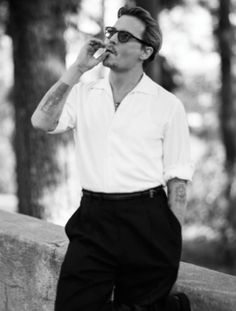 Actor Johnny Depp captured by fashion photographer Bruce Weber for the cover story of Interview's Magazine's April 2014 edition. Johnny was styled by Karl Templer, with grooming by Joel Harlow. Bruce Weber, Johnny Depp Smoking, Johnny Depp Interview, John Depp, Johnny Depp Pictures, Here's Johnny, Templer, Actrices Hollywood, Foto Art