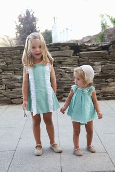 DRESSING IVANA (AND SOFIA): Summer memories - Nanos plumeti verde