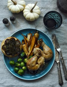 // this makes me want blue plates for thanksgiving/christmasy meals