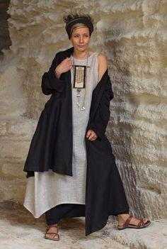 Linen in layers Boho Fashion, Fashion Outfits, Womens Fashion, Arab Fashion, Sporty Fashion, Winter Fashion, Drape Maxi Dress, Short Summer Dresses, Dress Long