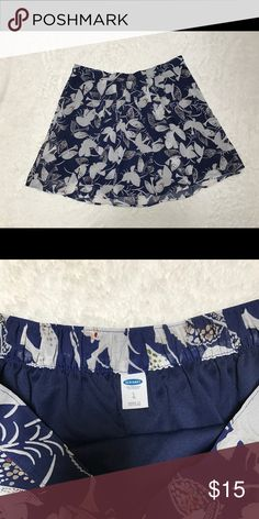 Old Navy Blue Bird Skirt sz Large Really great skirt by Old Navy. In a dark blue with white accents of birds and colorful embellishments. This is a size large and in great shape. Old Navy Skirts Midi