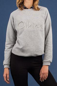 Gratis Schnittmuster für eine Damen-Pullover zum selber nähen