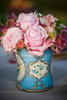 Roses in a vintage tin<3