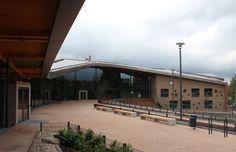 Saunalahti Comprehensive School (Espoo, Finland). Cities In Finland, Helsinki, Buildings, Architecture, City, School, Outdoor Decor, Arquitetura, Schools