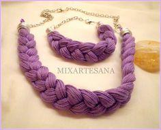 Collar en hilo de algodón trenzado color lila, con pulsera a juego.
