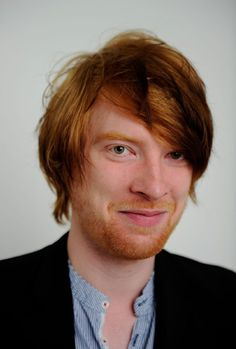 Domhnall Gleeson, potential Galadriel.