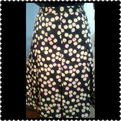 "J. Crew Skirt Beautiful plated silk skirt. Black with tan and pink throughout. This skirt has a zipper on the side. Waist measures 29"", length measures 21"" J. Crew Skirts Circle & Skater"