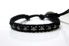Craft Diy Projects   Cool Bracelets For Guys   •  Free tutorial with pictures on how to braid a braided bead bracelet in under 70 minutes
