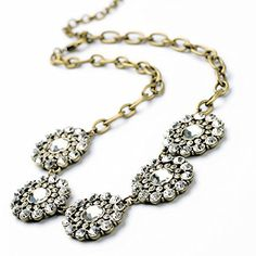 Vintage Classic 5 Crystal Flowers Fashion Necklace