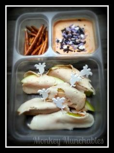 Ghostly Halloween Lunch from Monkey Munchables!   #Halloween #kidslunch #monkeymunchables #ghosts #lunch