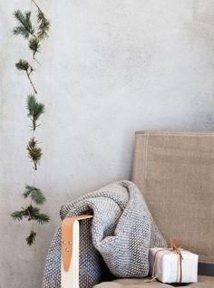 my scandinavian home: Beautiful, simple Danish Christmas DIY inspiration Danish Christmas, Minimal Christmas, Natural Christmas, Noel Christmas, Scandinavian Christmas, Modern Christmas, Scandinavian Home, Simple Christmas, Winter Christmas