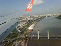 Vamos fazer um passeio? O que acha de ver diversos locais do mundo através da janela de um avião? As imagens são incríveis, você vai adorar.