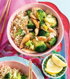 Dit recept is geïnspireerd op de Oosterse keuken: mie met geroerbakte broccoli en kip! http://www.vriendin.nl/koken/recepten/7009/recept-voor-geroerbakte-broccoli-met-kip
