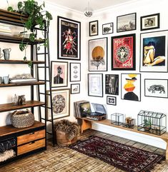 decor w interior design H You are in the right place about art deco interior dark Here we offer you the most beautiful pictures about the art deco interi Decoration Bedroom, Interior Decorating, Interior Design, Home Decor Trends, Decor Ideas, Wall Ideas, New Room, Home And Living, Small Living