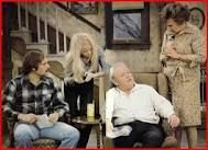 Archie Bunker tv show 70s Tv Shows, Old Shows, Childhood Tv Shows, My Childhood Memories, Sweet Memories, Sally Struthers, Archie Bunker, Family Theme, Family Tv