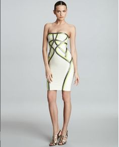 Wearing this fashion Herve Leger Strapless Contrast Dress in your casual time,there is no doubt that you will be the focus.You also can wear it to attend the party.