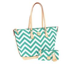 Dooney & Bourke tote super cute, perfect for summer!
