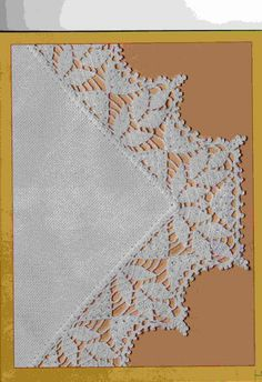 Crochet leaves edging with corner ~~ photo inspiration only ~~ Dal web Crochet Boarders, Crochet Lace Edging, Crochet Leaves, Crochet Motifs, Crochet Trim, Thread Crochet, Lace Knitting, Crochet Stitches, Knit Crochet