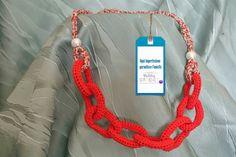 Collana rossa con catena centrale in cotone