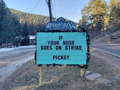 These Hilarious Signs/Puns In Colorado Making Passerby Laugh Out Loud - bemethis Jokes And Riddles, Corny Jokes, Funny Puns, Dad Jokes, Funny Quotes, Funny Stuff, Humor Quotes, Funny Humor, Jokes Kids