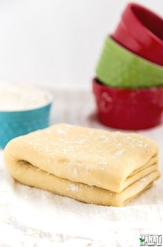 Easy Puff Pastry Dough which tastes so much better than the store bought stuff and is also easy to make! Find the… Pastry Cook, Puff Pastry Dough, Puff Pastry Recipes, Baking And Pastry, Easy Desserts, Delicious Desserts, Dessert Recipes, Yummy Food, Baking Desserts