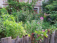 Perfect Cottagegarten mit Blumen gestalten Die Blumen stehen im Cottage Garten eigentlich bunt durcheinander und nie in gro en Gruppen doch dort wo sie sich