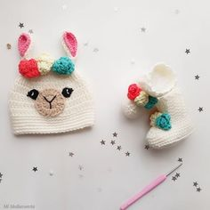 Llamas, Baby Patterns, Crochet Ideas, Flamingo Outfit, Cross Stitch Baby, Crochet Clothes, Knit Crochet, Crochet Baby Boots, Ideas