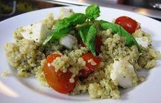 Pesto Quinoa with Tomatoes and Fresh Mozzarella | G-Free Foodie #GlutenFree