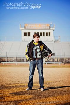 Senior Portrait Photography #PhotographybyHailey #seniorboy #footballplayer #sportsphotography #statechampionship