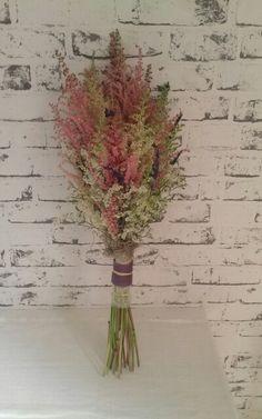Bonito ramo de astilbe para una novia original
