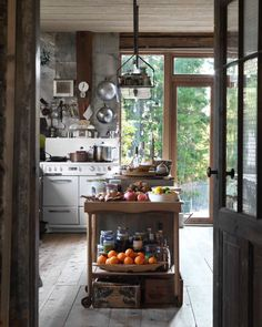 cisbw with a love of interior design, decor, fun and social justice Cocina Shabby Chic, Shabby Chic Kitchen, Country Kitchen, Vintage Kitchen, Country Living, Country Farm, Rustic Kitchen, Country Style, Cabin Kitchens