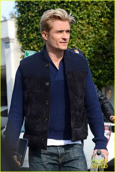 Orlando Bloom Gets Another Touch Up on His Blond Hair!: Photo Orlando Bloom has been a blond for over two months now and he just got another touch up on his hair color! The actor was spotted leaving the Andy… Celebrity Dads, Celebrity Crush, Celebrity Photos, Good Looking Actors, Z Cam, Orlando Bloom, Ben Affleck, Channing Tatum, British Actors