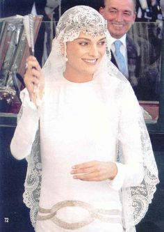Model Laura Ponte when she married Beltran Gomez-Acebo, son of Infanta Pilar of Spain. Shes wearing one of the Infantas tiaras turned upside down. Gorgeous!