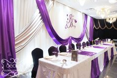 Head table with purple.