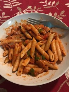 Penne with veggie. you can add any with chicken or broccoli. Indian Food Recipes, Vegetarian Recipes, Food Porn, Snap Food, Food Snapchat, Good Food, Yummy Food, Food Goals, Aesthetic Food