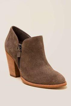 e9969a354b27 Women s Shoes - Boots   Heels